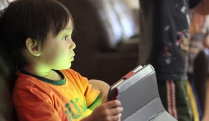 Dunia Digital : Peranan Ibu Bapa
